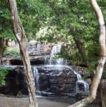 1100846_waterfall_near_sakaeo.JPG